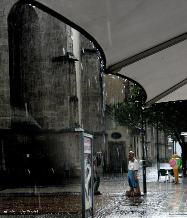 enjoy the rain by scheinbar
