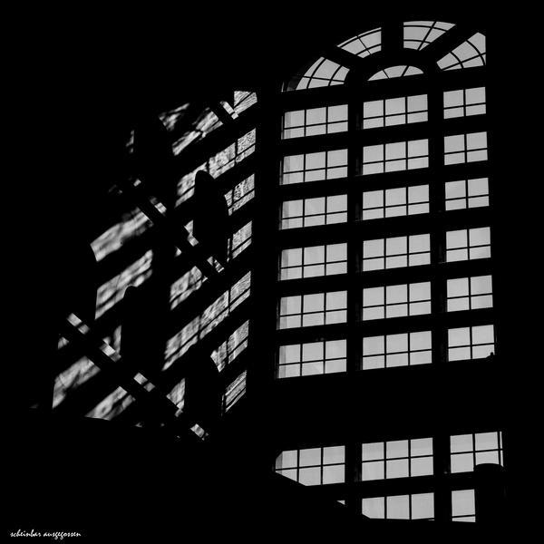 effused light by scheinbar