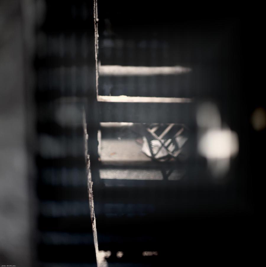 behind the curtain by scheinbar