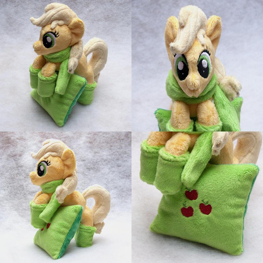 Applejack - Companion Pony - Winter Edition by navkaze