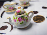 Roses and gold china set: Teapot