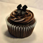 Chocolate Bow Cupcake 1