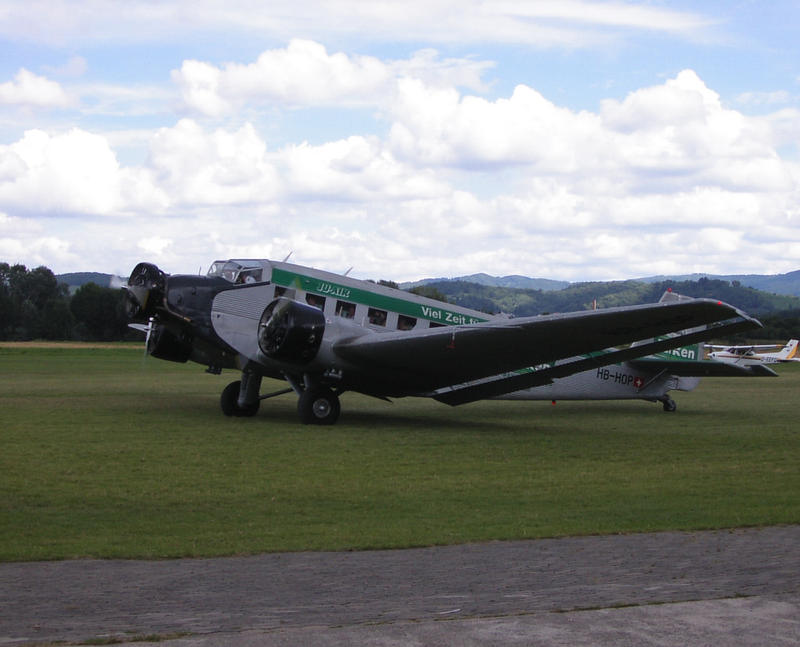 Junkers JU-52/3m by hippo2