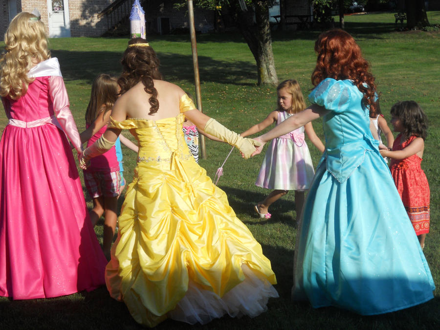 Disney Princess Ring Around The Rosie