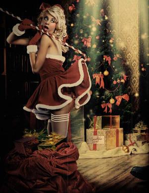 Vintage Christmas Pinup by Sweetlylou