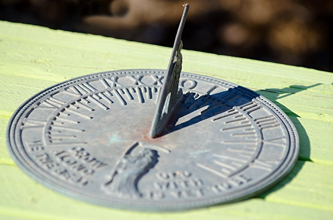 Sundial Type Thingy. by fileboy