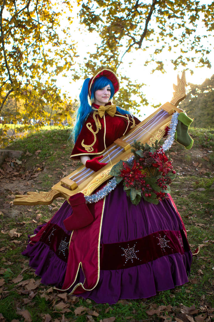 Silent Night Sona by SamuiCosplay