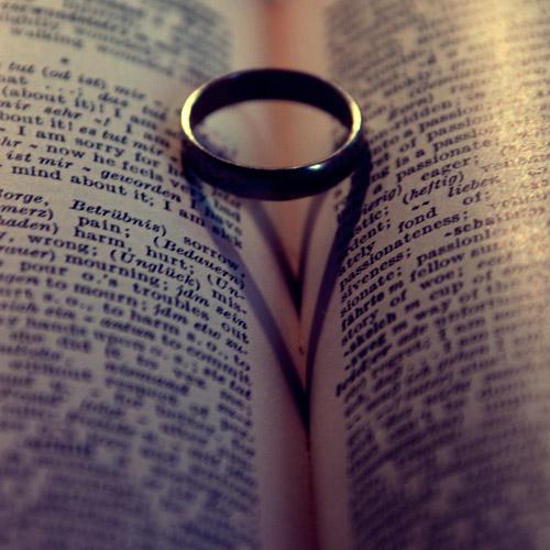 l'amour. by xBloodRedCheRrYx
