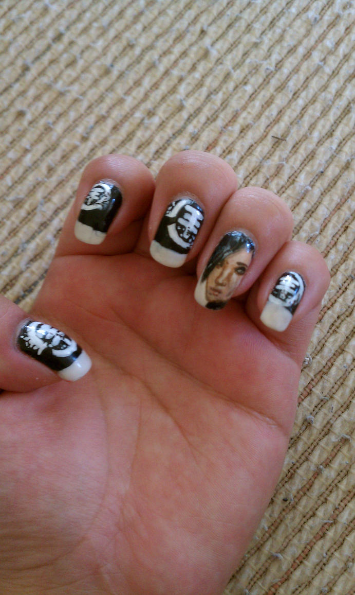 Tokio Hotel inspired nail art by yuuko777 on DeviantArt