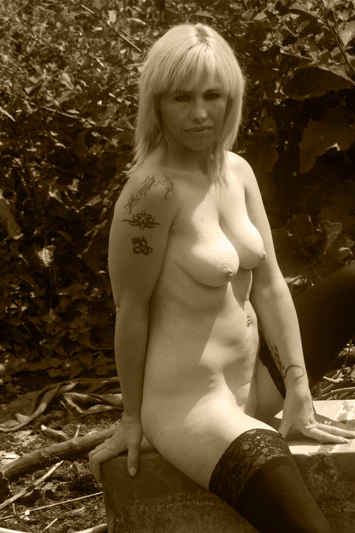KL99 09 sepia by andyf451