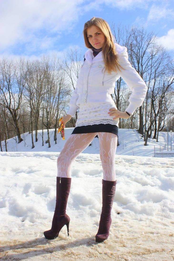 White snow by Eyeswideshut00