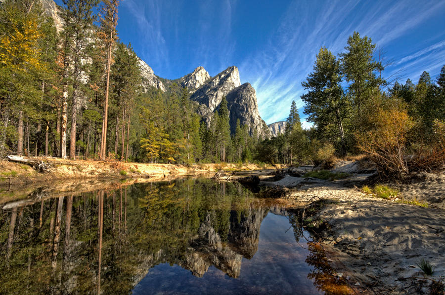 Yosemite Valley by melintir