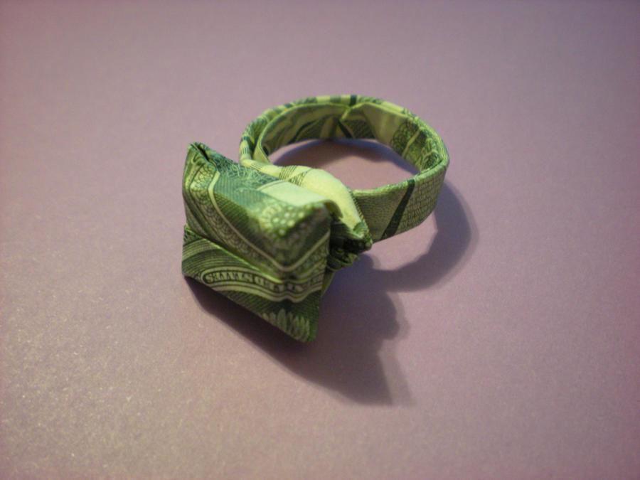 Dollar Ring 3D Diamond by Cahoonas