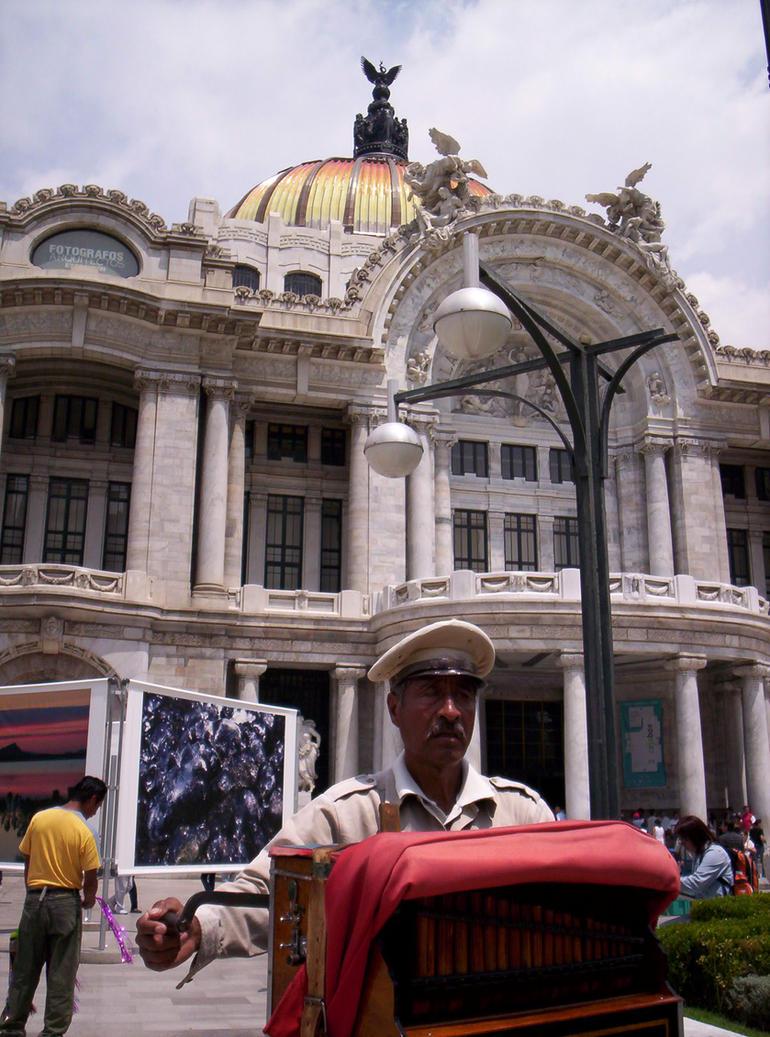 Bellas Artes II by Agersomnia