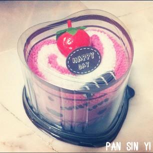 strawberry cake by ochaocha