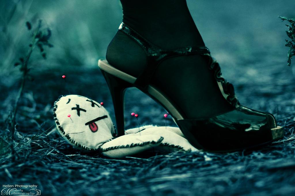 Mistress of the Dark by Hellen... by kisska777