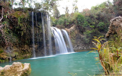 Bolinao Falls by jobad