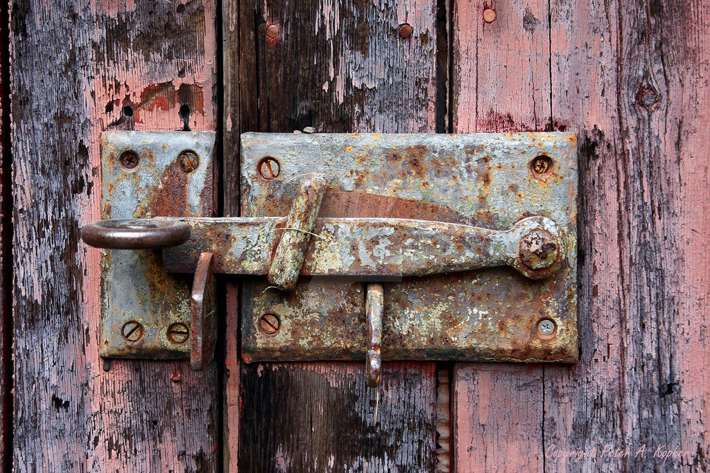 Latched by peterkopher