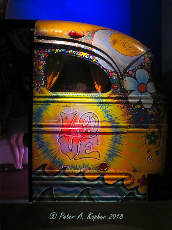 LOVE Bus  by peterkopher