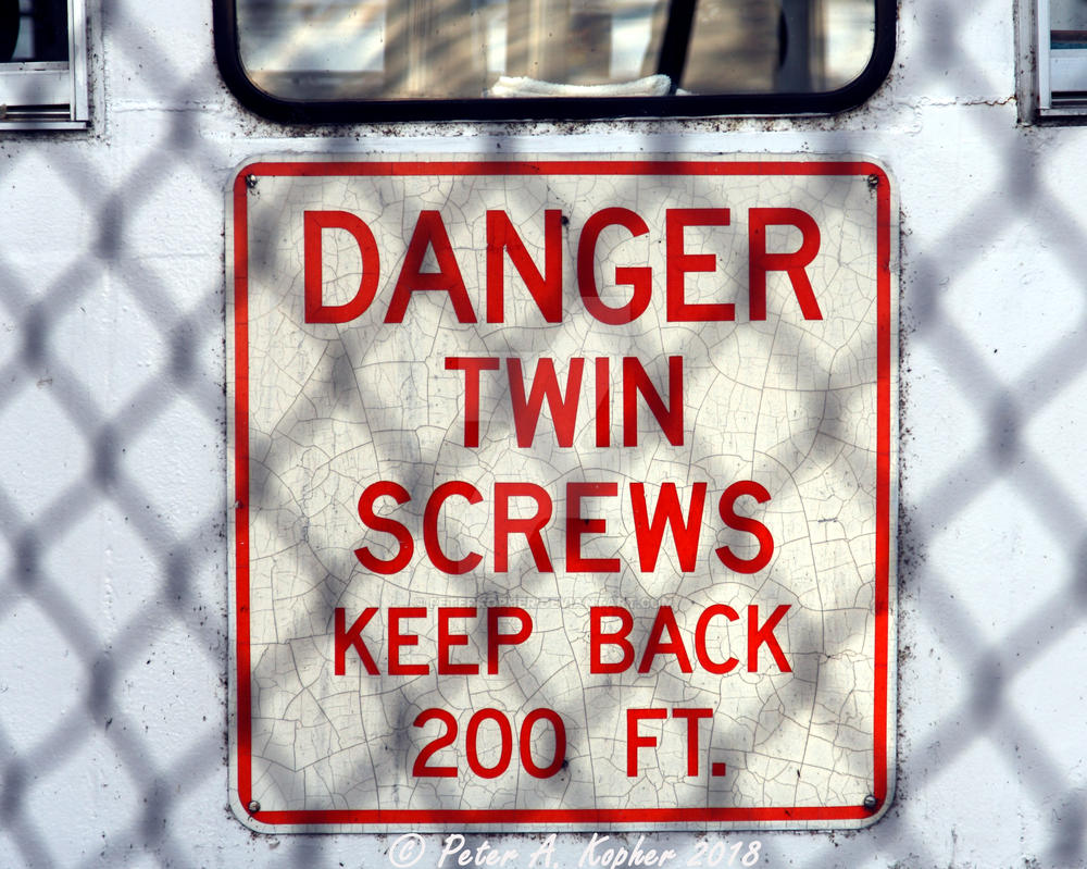 Twin Screws  by peterkopher