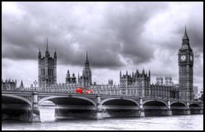 London Crossing by vesparia