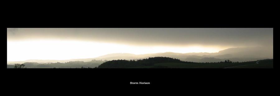Storm Horizon by pitchblacknight