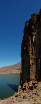 Lake Owyhee Cathedral Rock 1