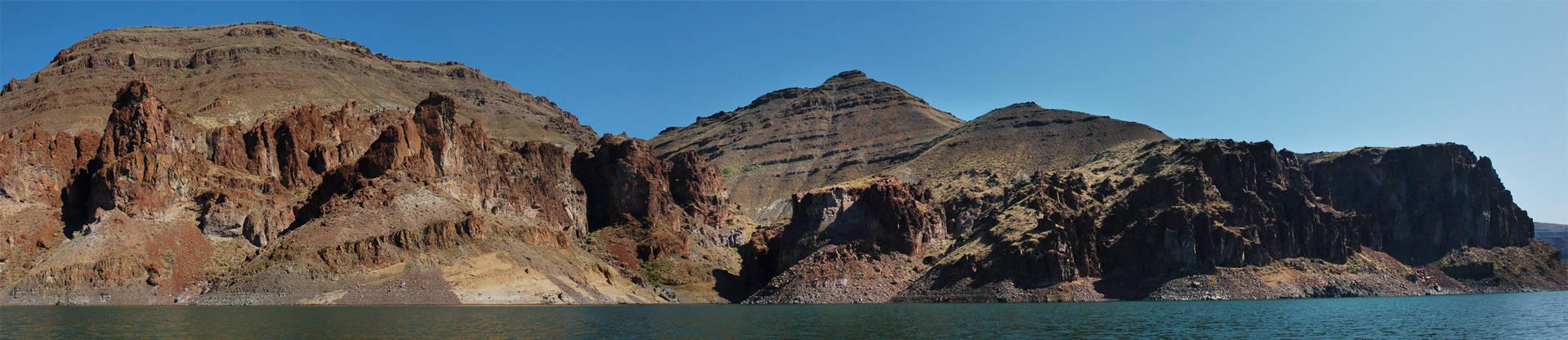 Lake Owyhee Red Cliffs