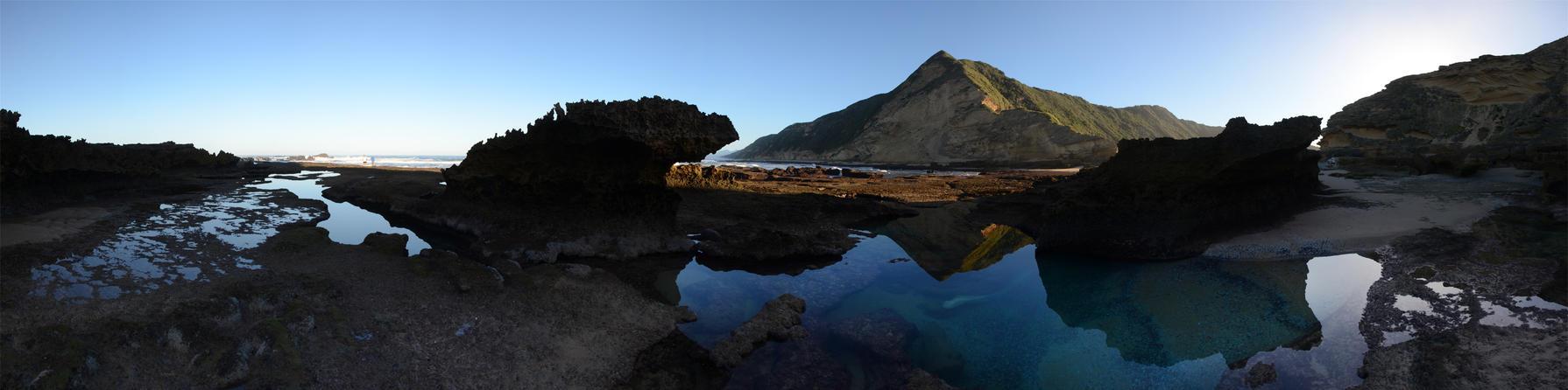 Whale Bone Tide Pool by eRality