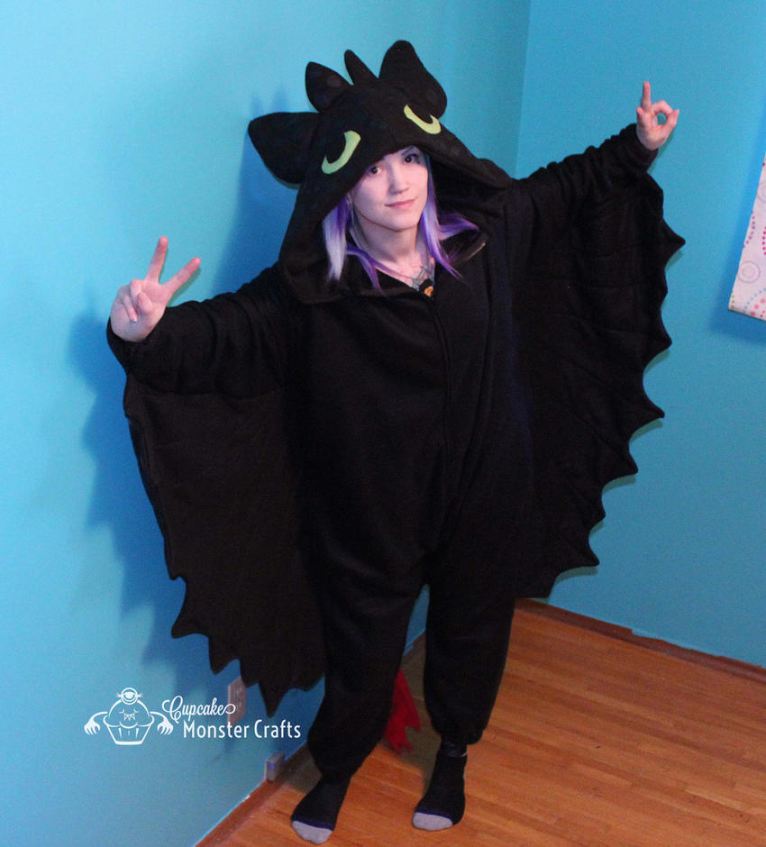 Hand made toothless onesie by CupCakeMonsterCrafts