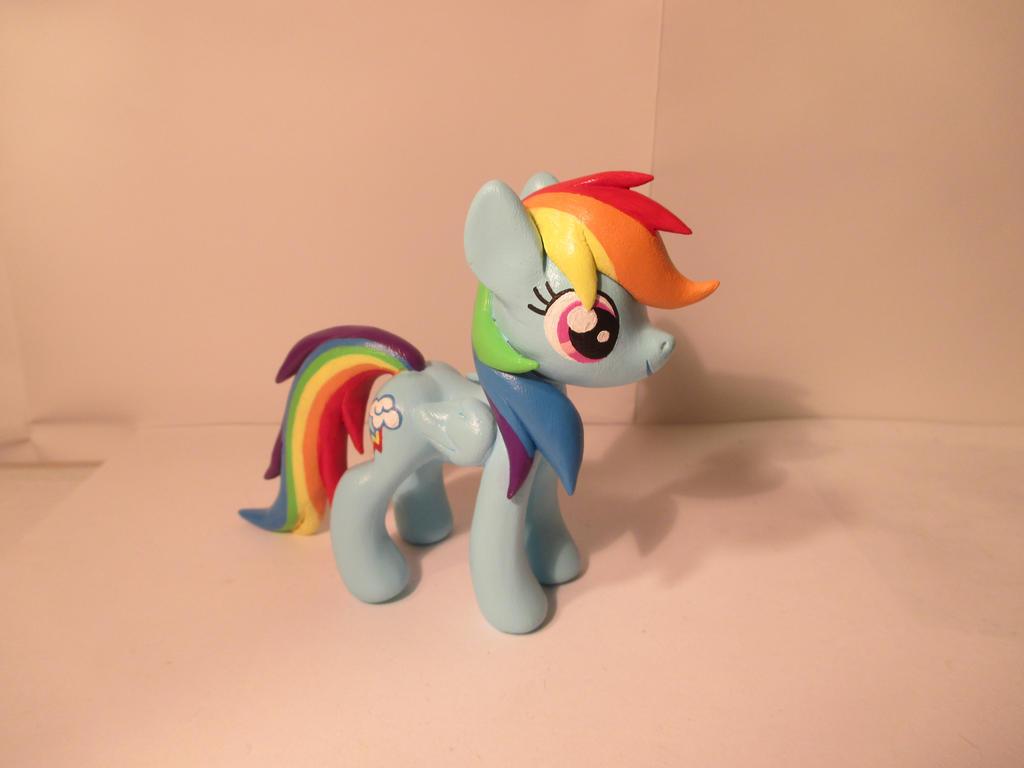 Rainbow Dash by EarthenPony