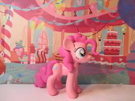 Pinkie Pie! by EarthenPony