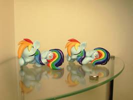 Rare Rainbow Dashies! by EarthenPony