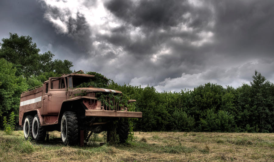 Truck by Lightmotiv