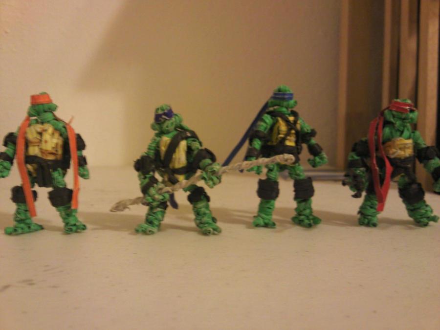 TMNT all 4 heros by Eltwisttiebandit