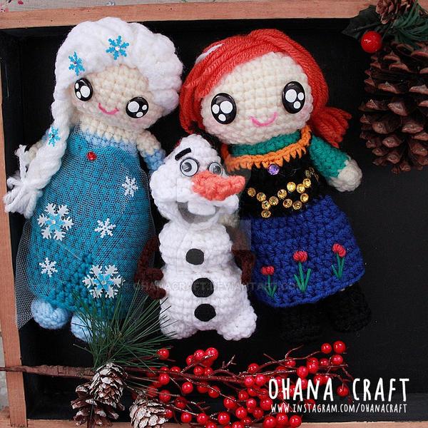 Crochet Elsa And Anna Dolls : Frozen Elsa, Anna and Olaf crochet dolls by OhanaCraft on ...