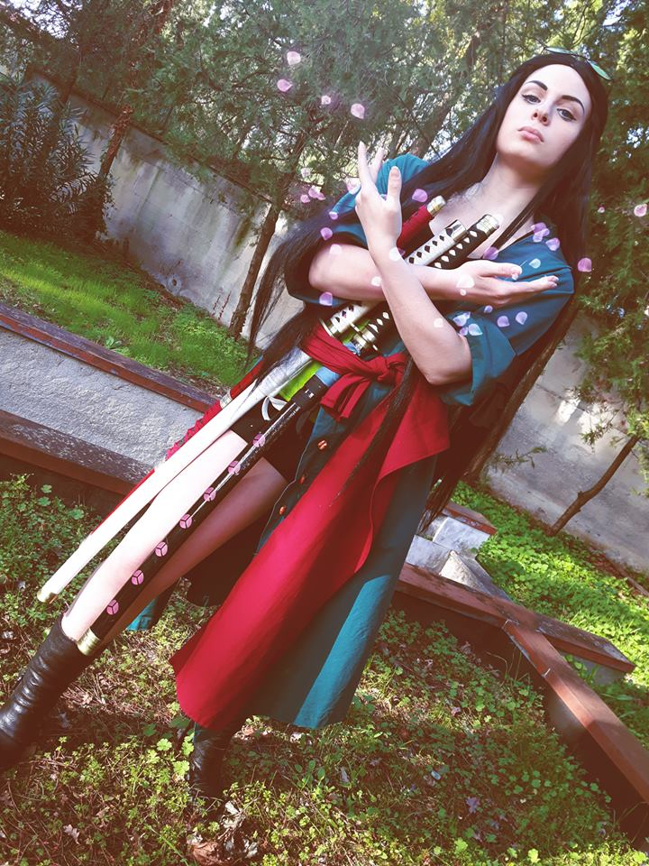 Nico Robin with Zoro's clothes cosplay (ZoRobin) by Yuno-Dragneel