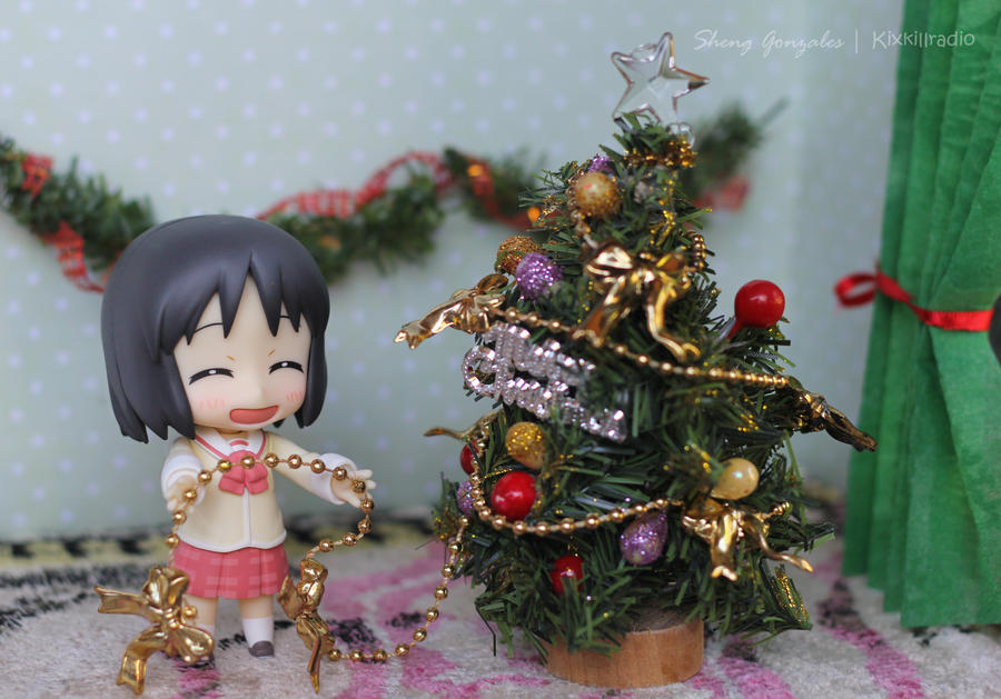 Nano decorating Tree by kixkillradio