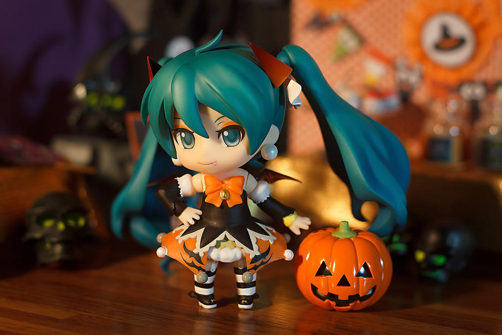 Halloween Miku by kixkillradio