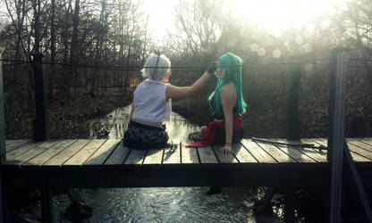 Vocaloid Knife Cosplay Miku and Rin - Bridge by ShuXin