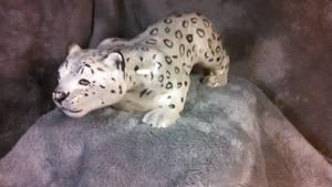 Snow leopard sculpture