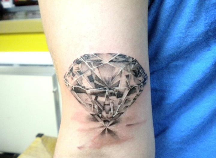 Diamond Tattoo Designs Shoulder