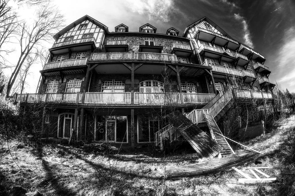 Hotel du Golf by EkNoa