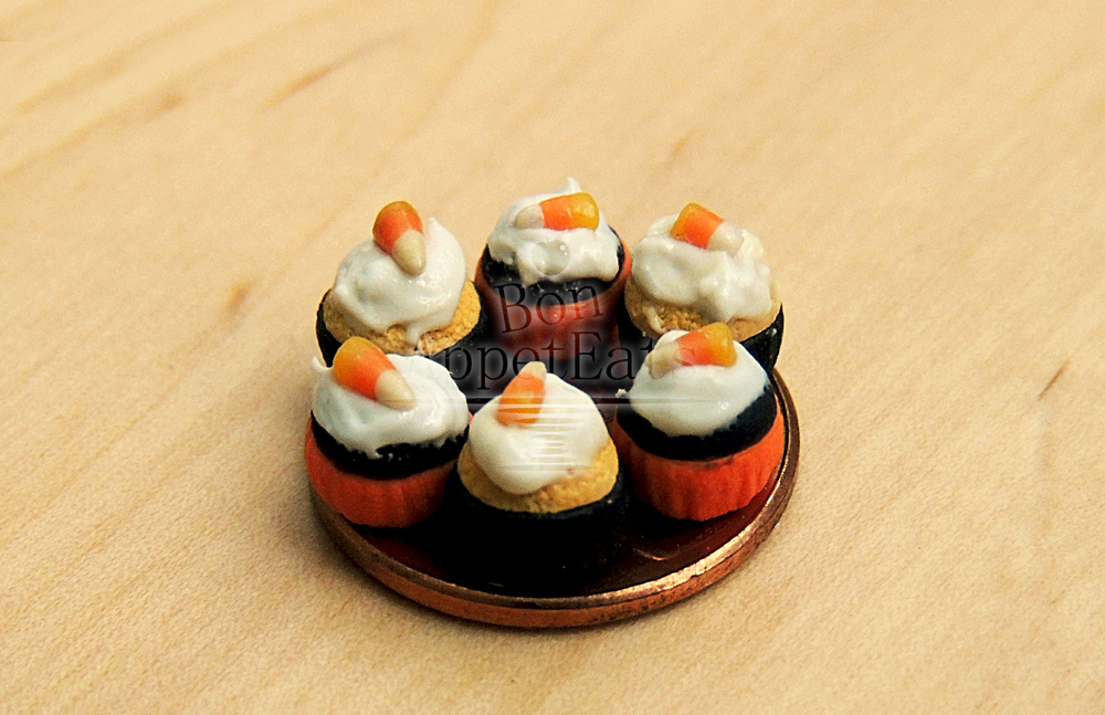 1:12 Halloween Cupcakes by Bon-AppetEats