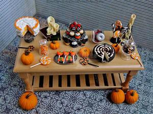 1:12 Halloween Table