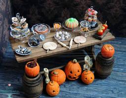 1:12 Halloween Dessert Table 2013