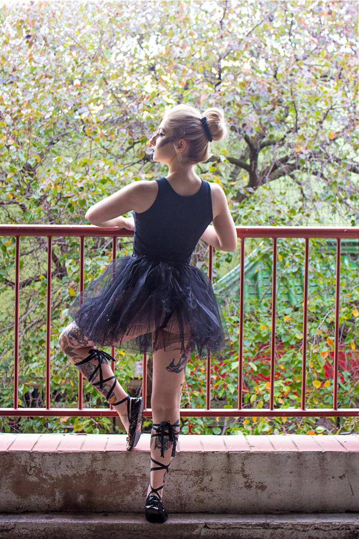 Autumn Ballerina by EmazingMessedUpOwsum