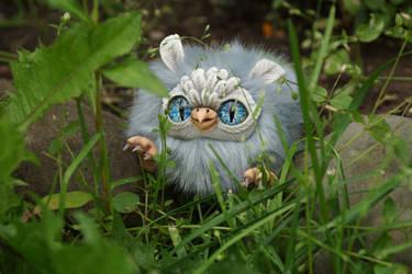 Owl walking by KrafiCat