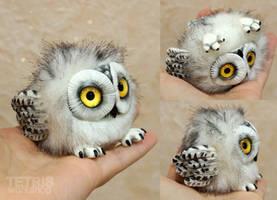 New snowy owl charm by KrafiCat