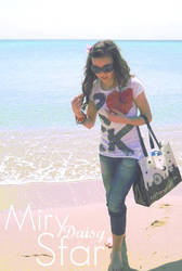 Miry Daisy Star by MinnieVintage